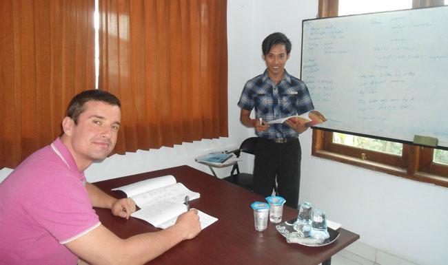 Les Privat Bahasa Indonesia Untuk Expatriat