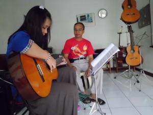 Guru Les Gitar